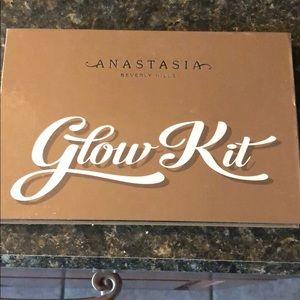 Anastasia Beverly Hills Makeup - Anastasia Beverly Hills Ultimate Glow Kit